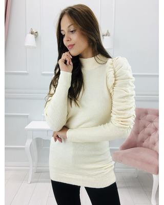 sweter z bufiastymi...