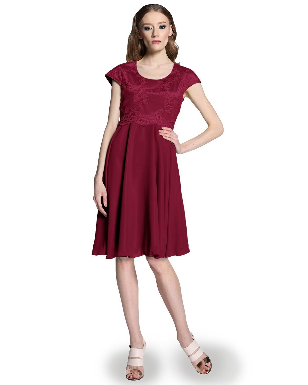 Koronkowa wyszczuplająca sukienka CAMILL 301 8