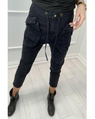 dżinsowe spodnie typu...
