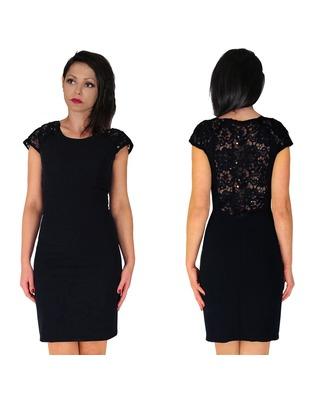 Camill 317 wąska sukienka z koronkowymi plecami