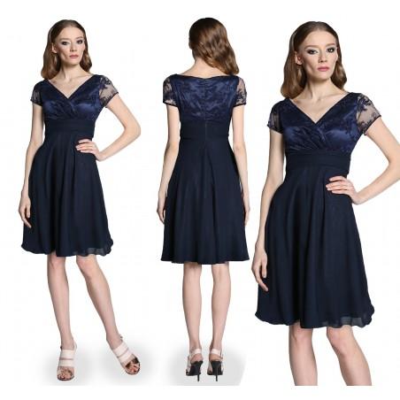 Odcięta pod biustem koronkowa ,wyszczuplająca sukienka CAMILL 300 2