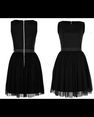 Tiulowa czarna sukienka...