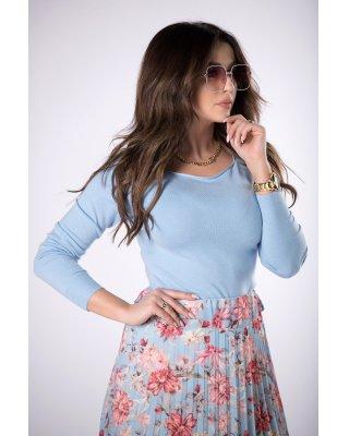 dopasowany sweter niebieski