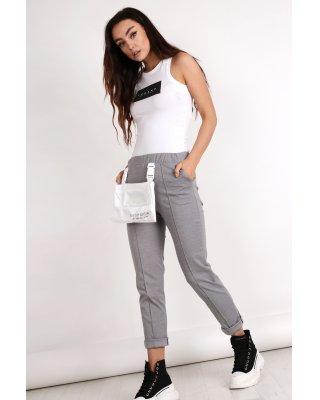 spodnie z odpinaną saszetką...