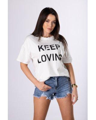 t-shirt z napisem kremowy