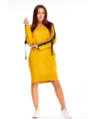 Dresowa sukienka z taśmami...