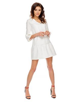 Biała sukienka w kształcie...
