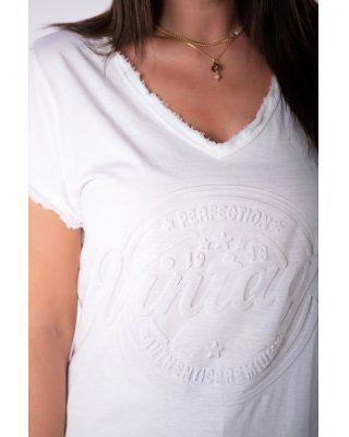 t-shirt z wytłaczanym...