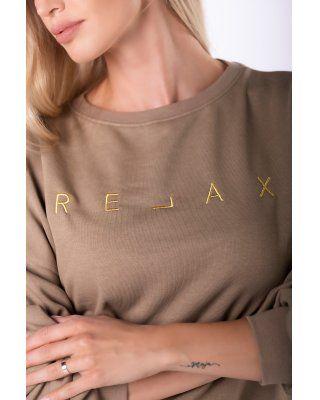 bluza z wyszywanym napisem...